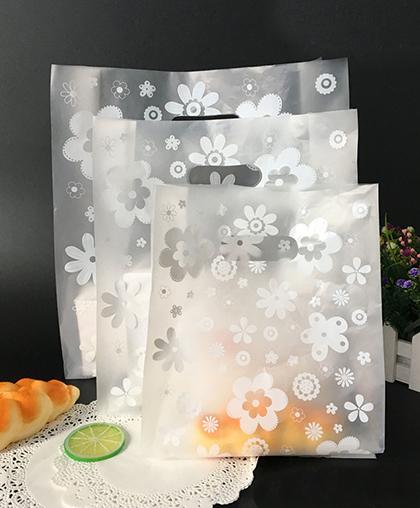 """Пакет подарочный """"Белые цветы""""  / 10 шт."""