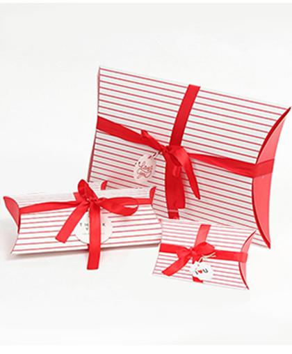 "Коробочка-подушка ""Красная полоска"" в 3-х размерах"